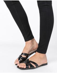 Hallhuber Lederpantoletten mit Schlangenprägung für Damen in schwarz