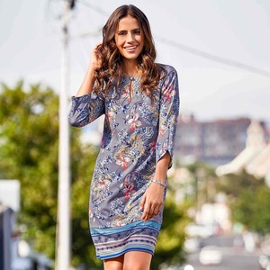 Damen-Kleid mit traumhaftem Blumenmuster