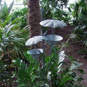 Gartenstecker Vogeltränke