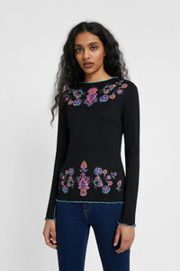 Schwarzes blumen-T-shirt