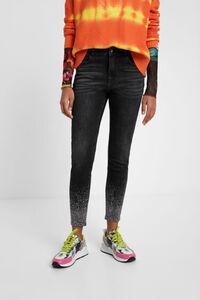 Skinny-Jeans mit Glitzerperlen