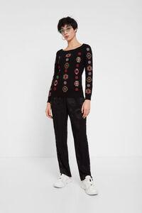 Pullover mit geometrischen Mandalas