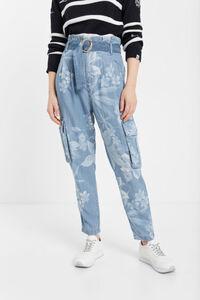 Blumige Cargo-Jeans aus Tencel™
