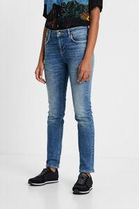 Nieten-Jeans