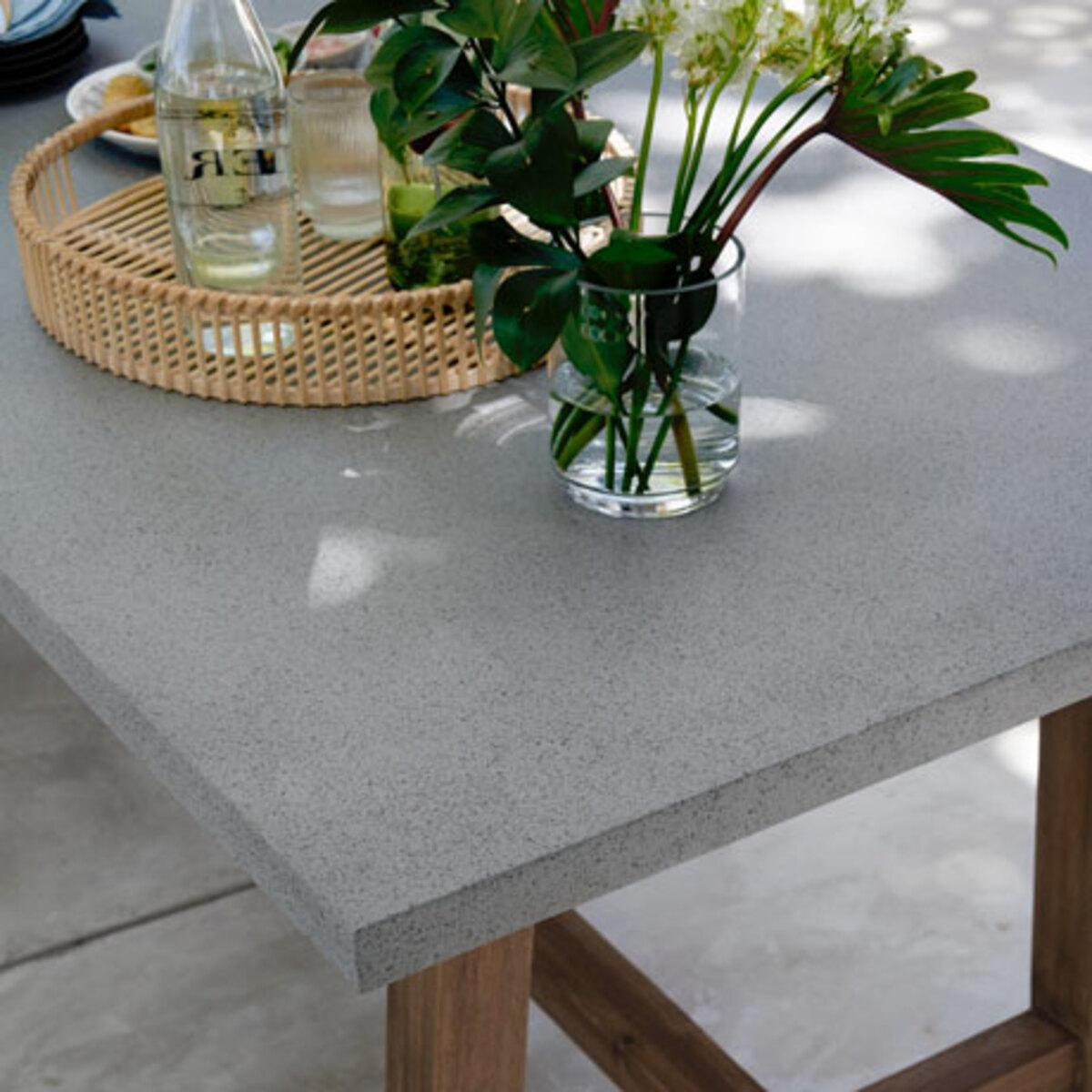 Bild 4 von Gartentisch in Betonoptik