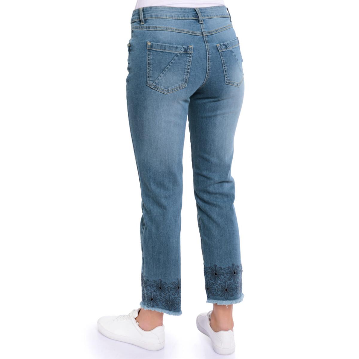 Bild 3 von 7/8 Damen Straight-Jeans mit Stickerei