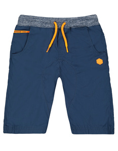 Jungen Shorts mit Kontrasten