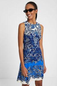 Kurzes Kleid mit orientalischem Muster