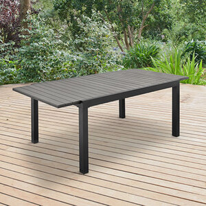 Verlängerbarer Gartentisch1