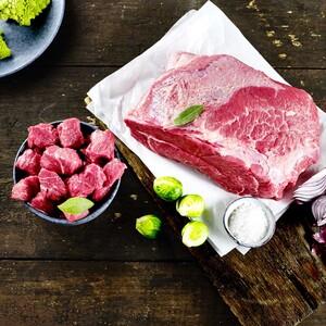 Frischer Rinderbraten oder Rindergulasch aus der Unterschale/Kugel,  je 1 kg