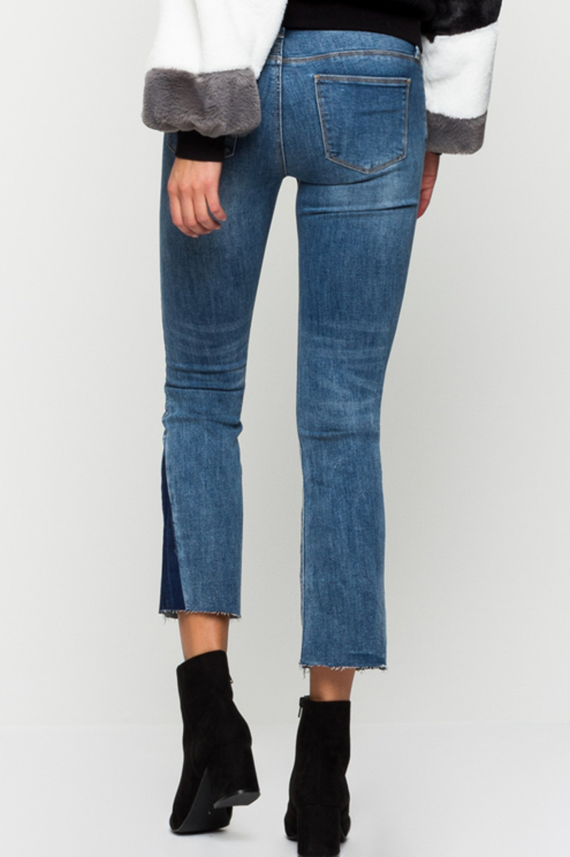Bild 1 von Blaue, ausgestellte Jeans
