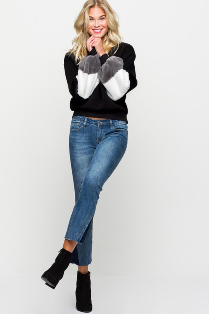 Bild 3 von Blaue, ausgestellte Jeans