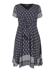 THEA - Kleid mit schwingendem Saum