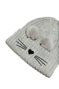 Graue Mütze in Katzenoptik