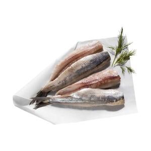 Matjes, frisch filetiert, Neufang aus MSC-zertifiziertem Wildfang, eine holländische Spezialität, je Stück
