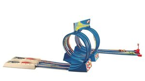 Mattel - Hot Wheels - Thrill Drivers Corkscrew - 11F