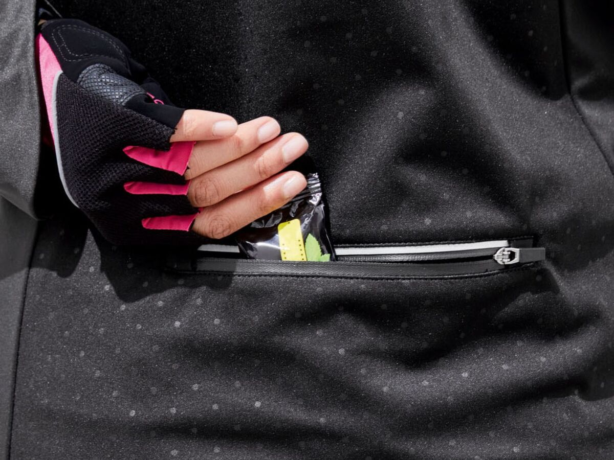 Bild 5 von CRIVIT® Allwetterjacke Damen, Rückentasche mit Reißverschluss, aus Softshell-Material