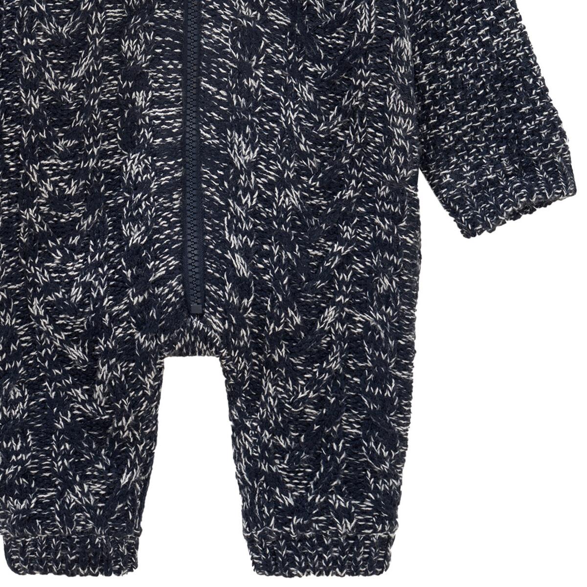 Bild 3 von Newborn Strick-Overall mit Kapuze