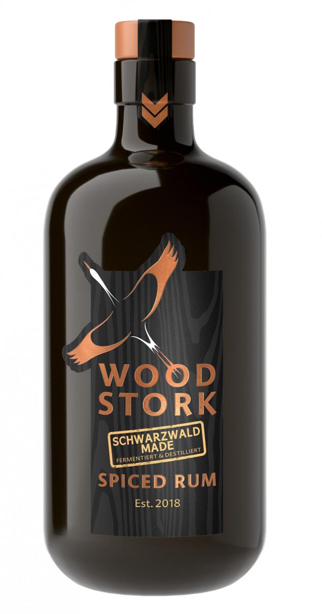 Bild 2 von Wood Stork Spiced Rum, Geschenkpackung mit Glas