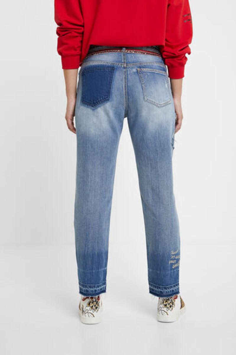 Bild 4 von Boyfriend-Jeans Nieten