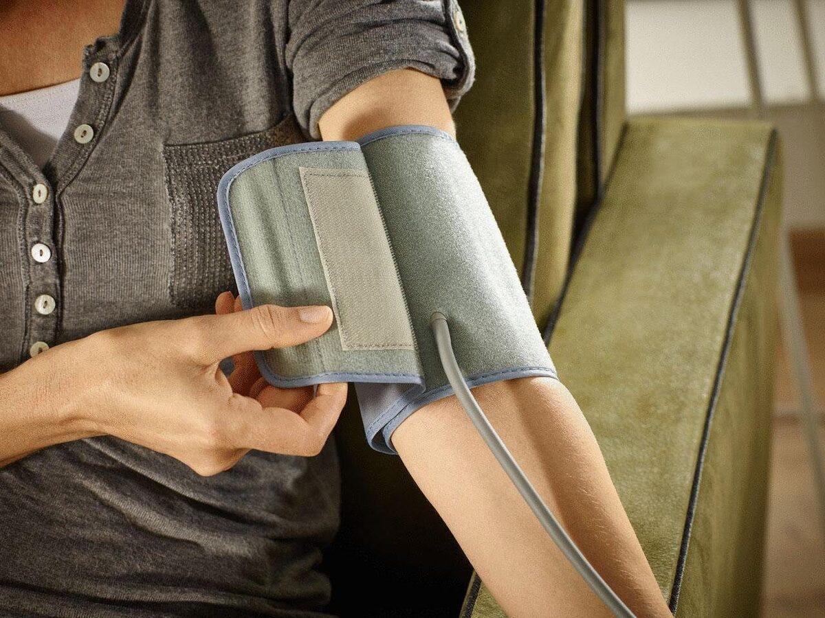 Bild 4 von Soehnle Oberarm-Blutdruckmessgerät Systo Monitor 300, integrierter Bewegungssensor für korrekte Messergebnisse