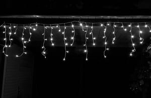Star-Max LED Eisregen Lichterkette mit 240 eisweißen LED