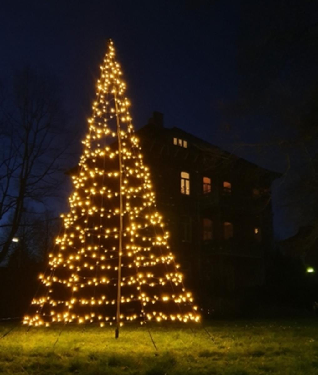 Bild 1 von Star-Max Galaxy LED Tannenbaum 300 cm mit 480 warm weißen LED