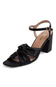 Gerüschte Sandaletten in Schwarz