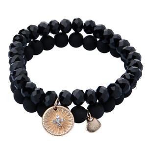 2 Damen Armbänder mit verschiedenen Perlen