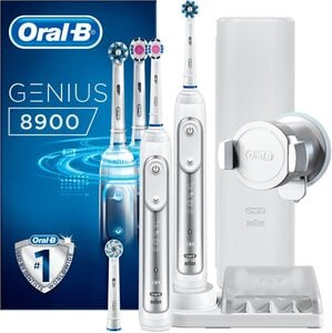 Oral B Elektrische Zahnbürste Genius 8900, Aufsteckbürsten: 3 St.