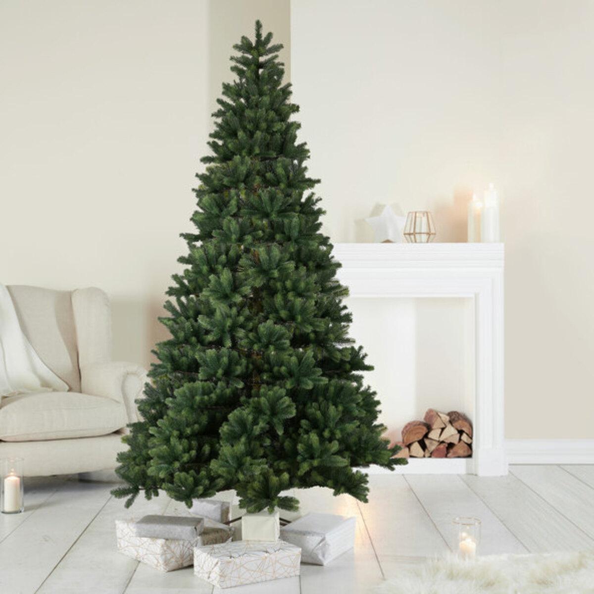Bild 1 von Naturgetreuer Christbaum