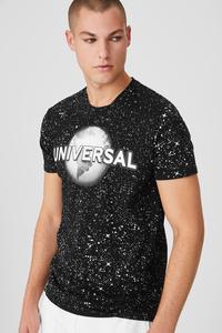 T-Shirt - Universal