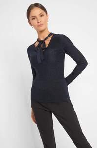 Pullover mit Zierschleife