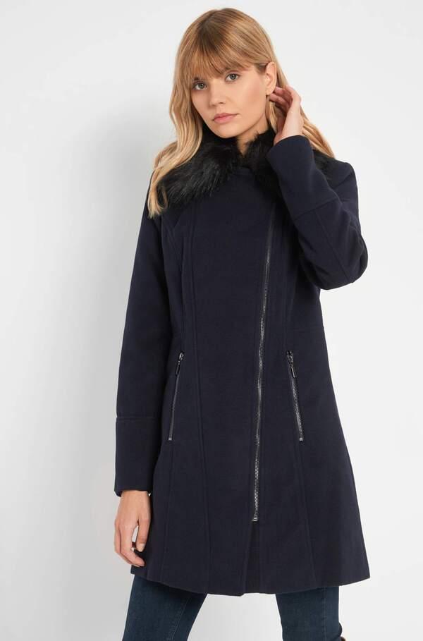 Mantel mit Kragen