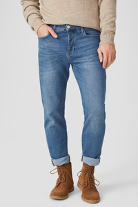 THE TAPERED JEANS