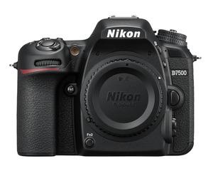NIKON D7500 Body Spiegelreflexkamera mit  Objektiv in Schwarz