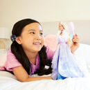 Bild 3 von Barbie Dreamtopia Fashion-Prinzessinnen-Puppe, ca. 30cm groß, blond mit pink gesträhnter Haarpartie