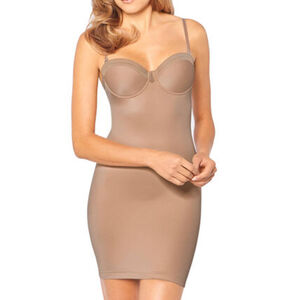 Triumph Damen Shaping-Kleid, gepaddete Cups True Shape Sensation