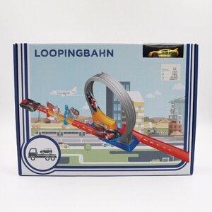 Loopingbahn mit einem Rennauto, Kunststoff