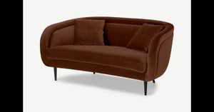 Caswell 2-Sitzer Sofa, Samt in Karamellbraun - MADE.com
