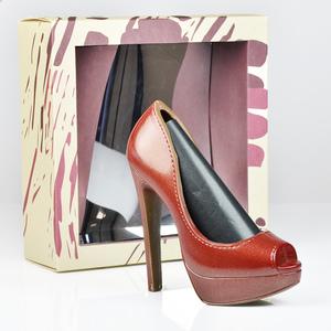 Schokoladen-High Heel Rot, 125g