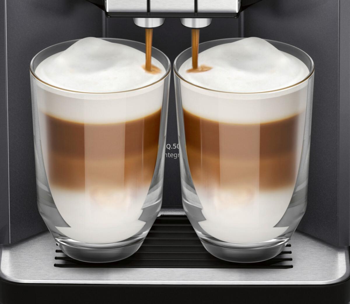 Bild 2 von SIEMENS Kaffeevollautomat EQ.500 integral TQ505D09 saphirschwarz metallic (EQ.5)