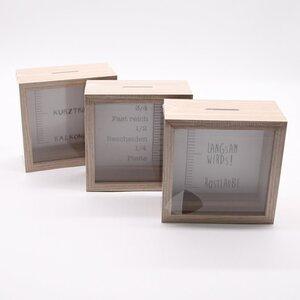Spardose, mit Skala, ca. 14,5 x 14,5 x 6,5 cm, verschiedene Ausführungen