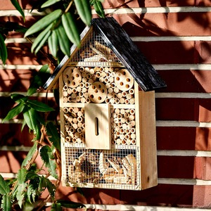Insektenhotel aus Holz, ca. 26x10x38cm