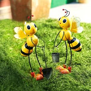 Deko-Biene in verschiedenen Designs, ca. 37cm