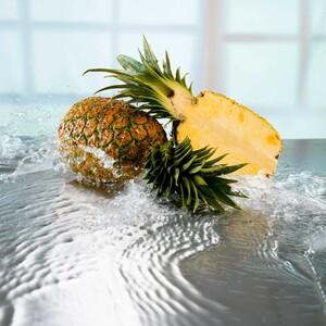 "Costa Rica Sweet Ananas ""Semi"" je Stück"