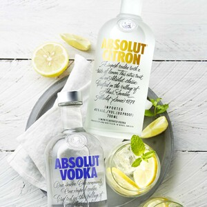 Absolut Vodka oder Citron 40/40 % Vol. und weitere Sorten, jede 0,7-l-Flasche