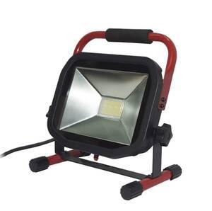 Flacher LED Baustrahler mit 38 Watt