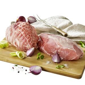 Frischer Schweinebraten, Schweinerollbraten oder Schweinegulasch aus der Schulter, je 1 kg