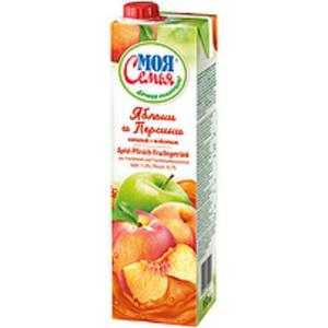 Apfel-Pfirsich-Fruchtgetränk aus Fruchtmark und Fruchtmarkko...